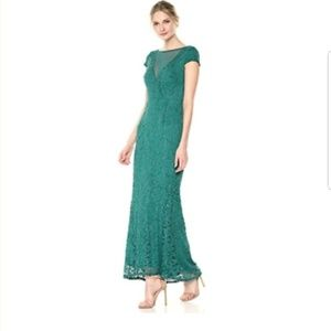 Green Lace Plunge Evening Gown Dress 4